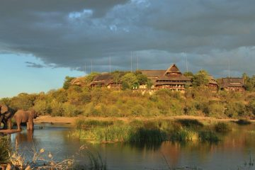 victoria-falls-safari-lodge.com