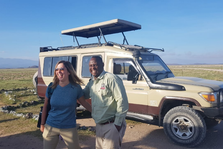safari guide with guest
